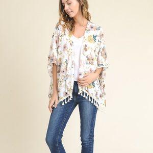 Sweaters - Floral Print Short Sleeve Handkerchief Kimono